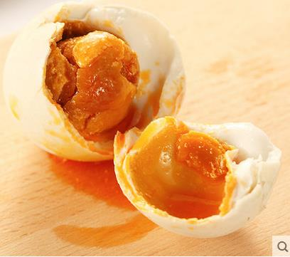 正宗农家油黄沙润熟咸鸭蛋   30个包邮     2元/个